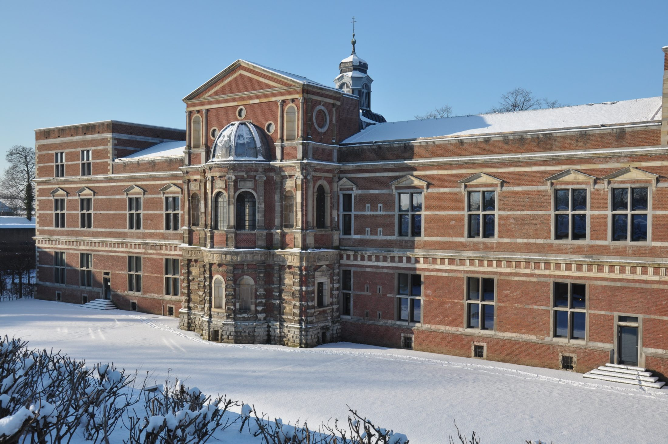 Zitadelle Jülich - Die Ostfassade des herzoglichen Schlosses im Winter